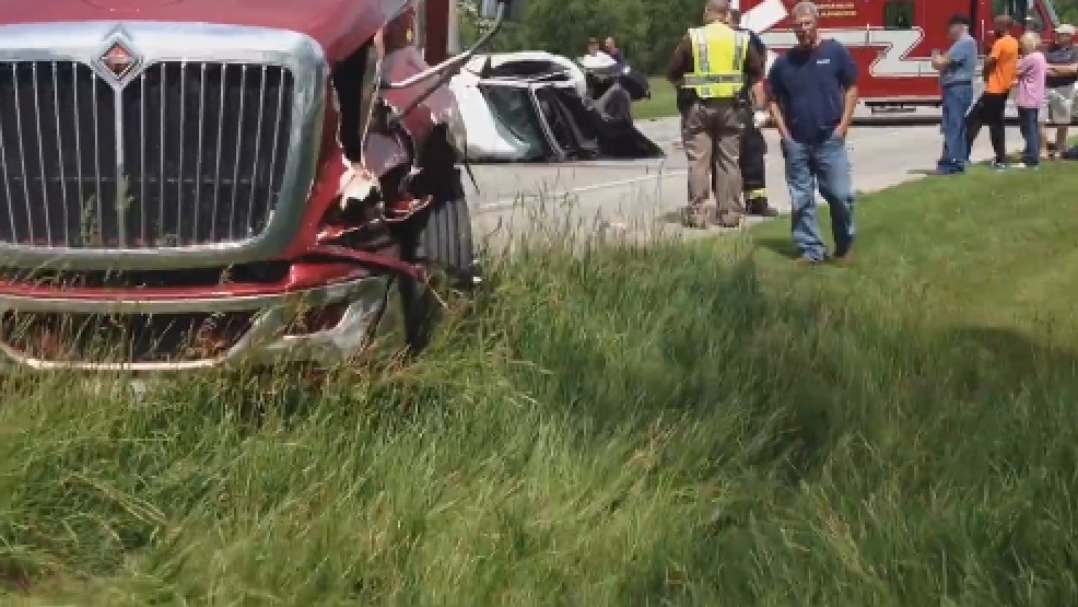 Man airlifted after head-on crash on US Hwy 20 near Middlebury | WSBT