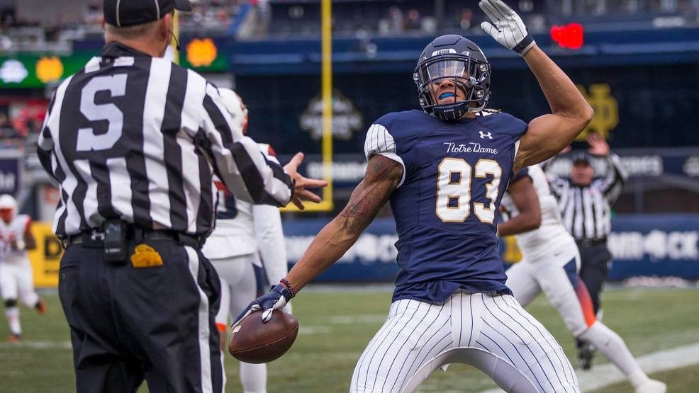 brand new c43c8 cea80 No. 3 Notre Dame slams Syracuse 36-3 at Yankee Stadium | WSBT